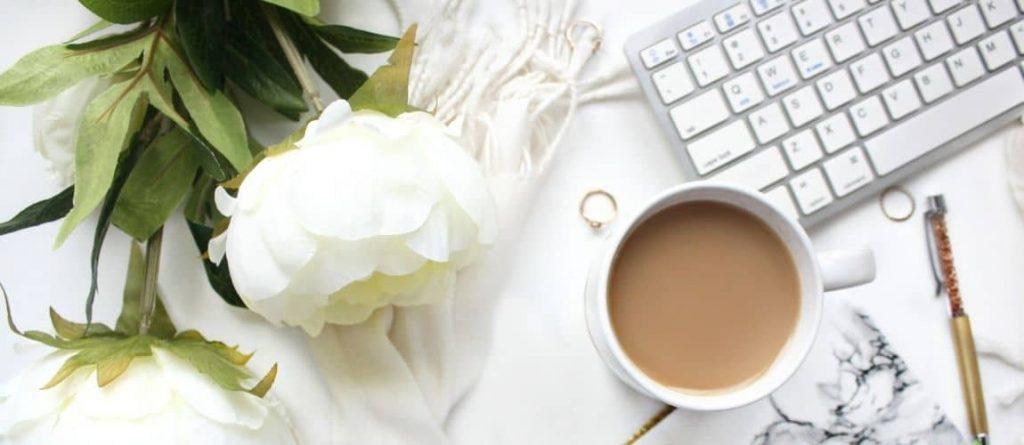 Le matériel d'une entrepreneuse qui veut booster le référencement naturel de son blog
